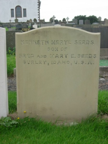 Grave of Kenneth Seeds at Jurby churchyard, killed onboard Wellington Z8424 on Snaefell, Isle of Man - Copyright Peak District Air Accident Research