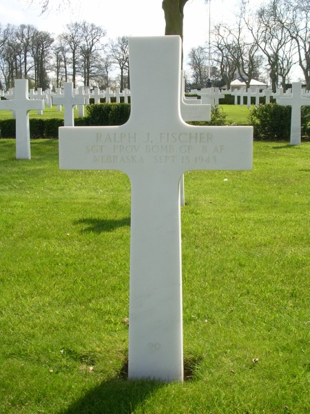 The grave of Sgt Ralph J. Fischer at Cambridge American Cemetery, Madingley