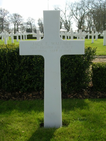 The grave of Sgt Jack E. Wallace at Cambridge American Cemetery, Madingley