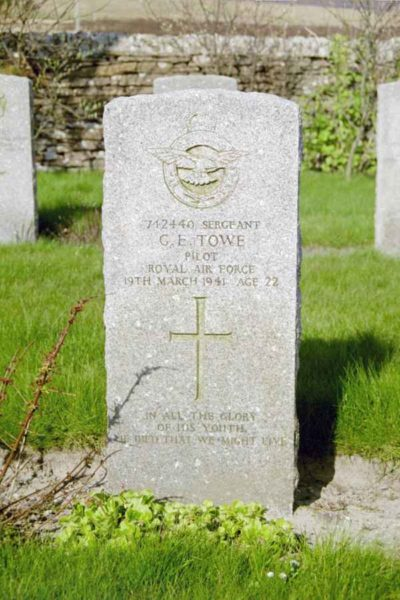 Grave of Sergeant Gerald Edward Towe, Royal Air Force, at Lyness Naval Cemetery, Hoy, Orkney