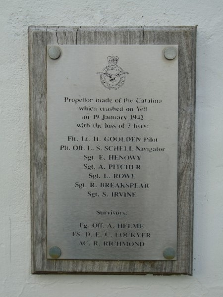 Memorial at Burravoe to the crew of Catalina Z2148, Isle of Yell
