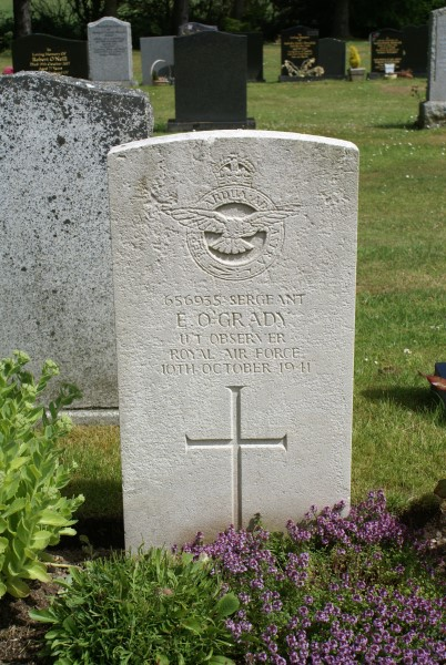 Grave of Sergeant Edward O'Grady, killed onboard Oxford T1287 on Shalloch on Minnoch