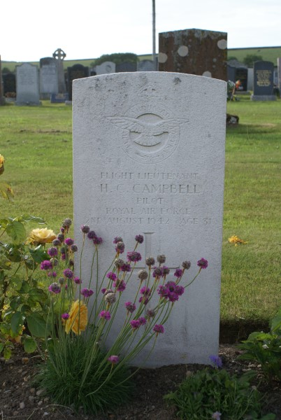 Grave of Flight Lieutenant Hugh Colin Campbell at Kirkinner Cemetery, Dumfries and Galloway