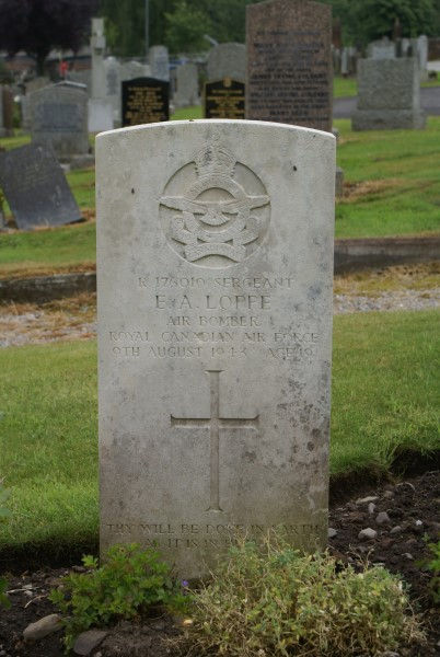 Grave of Sergeant Erwin Albert Loppe at Troqueer Cemetery in Dumfries, died in the crash of Anson DJ222 on Green Gable, Cumrbia